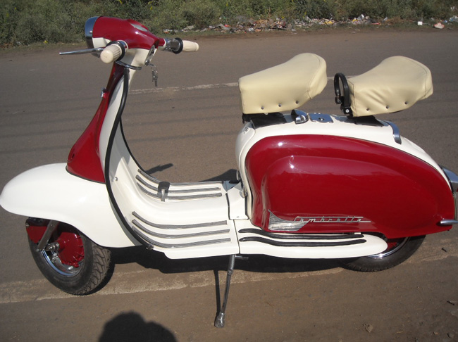 Lambretta LI 200 Red White image